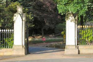 [An image showing Welford Road Cemetery Gates]